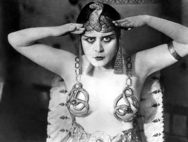 335-Theda Bara als Cleopatra-2